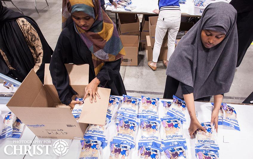 Love Somalia volunteers
